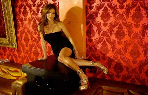 Lâu đài giày hiệu khổng lồ của nữ poker - 6