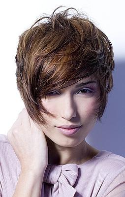 Kiểu tóc ngắn cho gương mặt tròn - 4