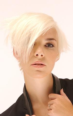 Kiểu tóc ngắn cho gương mặt tròn - 9