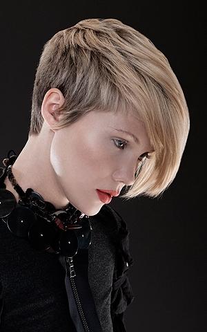 Kiểu tóc ngắn cho gương mặt tròn - 10