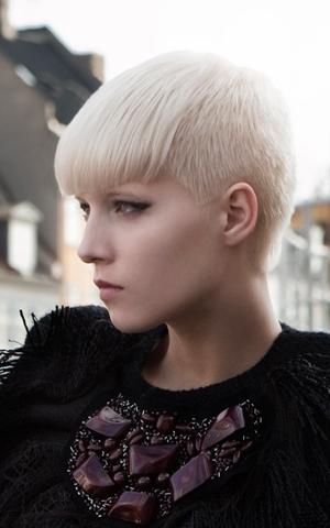 Kiểu tóc ngắn cho gương mặt tròn - 12