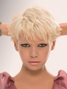Kiểu tóc ngắn cho gương mặt tròn - 13