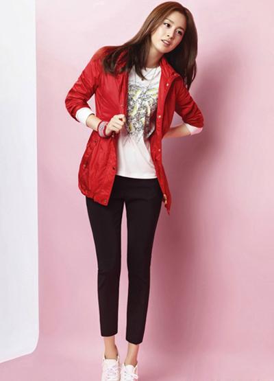Ngắm thời trang hiện đại của Kim Tae Hee - 8