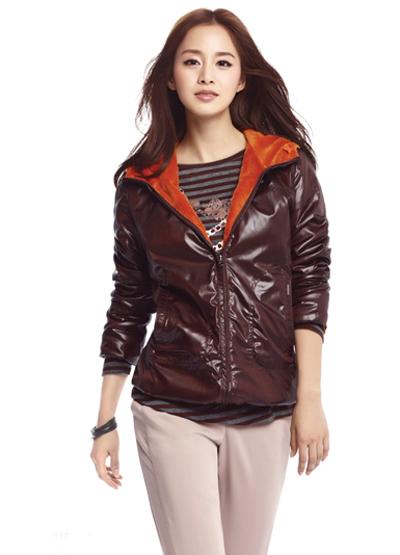 Ngắm thời trang hiện đại của Kim Tae Hee - 14