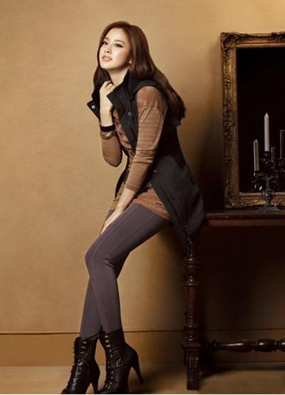 Ngắm thời trang hiện đại của Kim Tae Hee - 19
