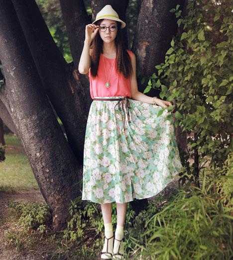Eo nhỏ dáng thon nhờ váy midi - 15