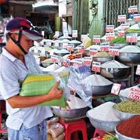 Giá gạo nội địa cao hơn giá xuất khẩu