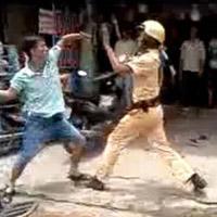 Người hành hung CSGT là cảnh sát cơ động