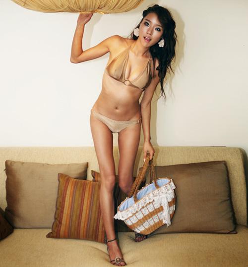 Áo bơi nào để phụ nữ Việt thêm gợi cảm? - 1