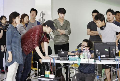 Won Bin nam tính, Song Hye Kyo sexy - 8