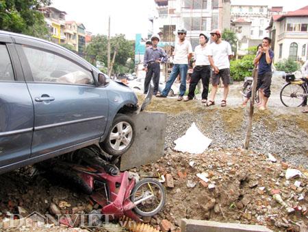 """Kinh hoàng """"xe điên"""" gây tai nạn liên hoàn - 3"""