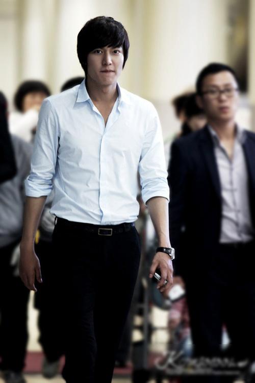 """""""Chấm điểm"""" thời trang của Lee Min Ho - 2"""
