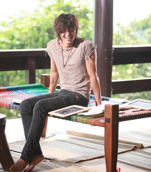 """""""Chấm điểm"""" thời trang của Lee Min Ho - 8"""