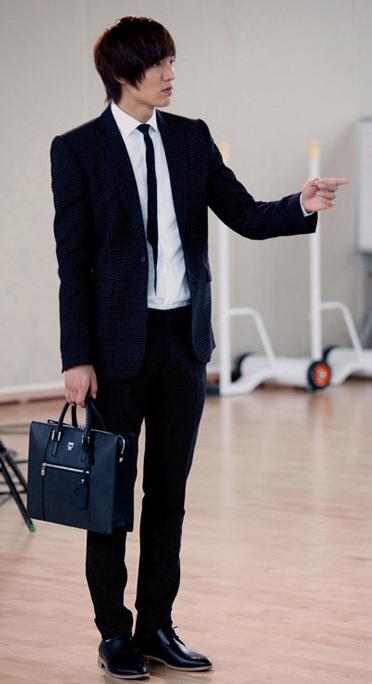 """""""Chấm điểm"""" thời trang của Lee Min Ho - 7"""