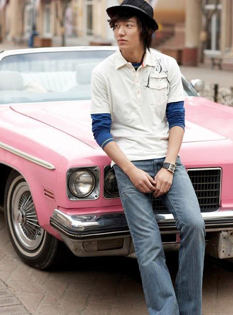 """""""Chấm điểm"""" thời trang của Lee Min Ho - 16"""
