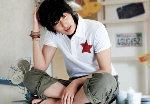"""""""Chấm điểm"""" thời trang của Lee Min Ho - 18"""