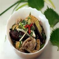 Mát trời, ăn tối với cà tím nấu đậu thịt