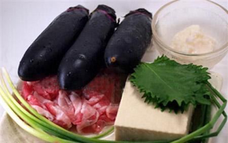 Mát trời, ăn tối với cà tím nấu đậu thịt - 1