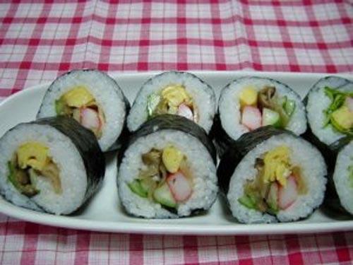 Cuối tuần khéo tay làm cơm cuộn sushi chay - 6