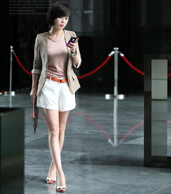 Mặc đẹp với gam màu trung tính - 12