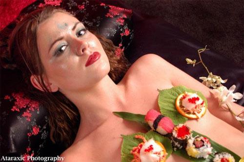 'Mốt' ăn sushi trên cơ thể mẫu nude - 8