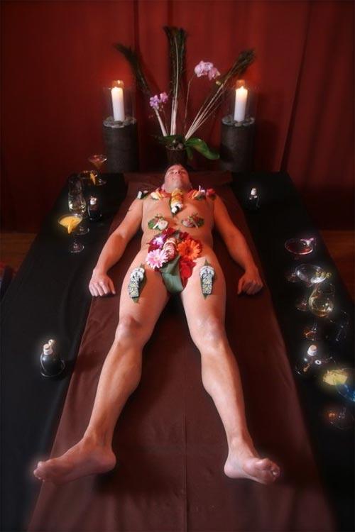 'Mốt' ăn sushi trên cơ thể mẫu nude - 11