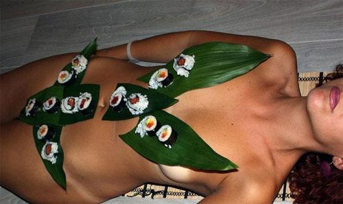 'Mốt' ăn sushi trên cơ thể mẫu nude - 10
