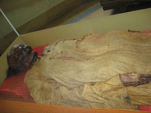 Bí ẩn xác ướp ở Sài Gòn - 2