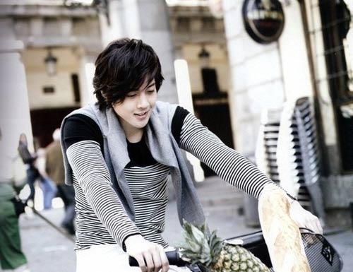 Kim Hyun Joong: Hoa hồng luôn có gai - 7