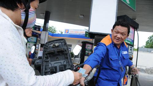 Sớm kiểm toán giá xăng dầu - 1