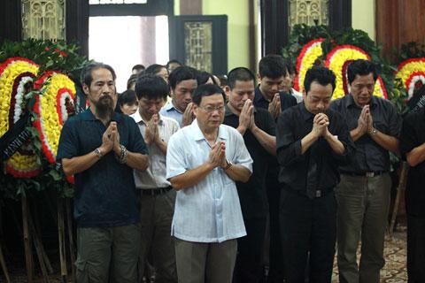 Đám tang đẫm lệ NS Hồng Sơn - 6