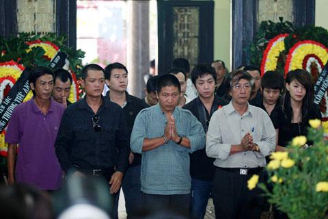 Đám tang đẫm lệ NS Hồng Sơn - 8