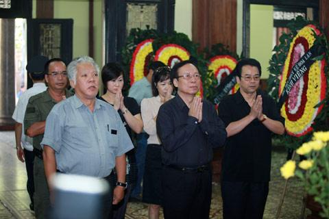 Đám tang đẫm lệ NS Hồng Sơn - 9