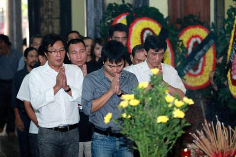 Đám tang đẫm lệ NS Hồng Sơn - 10