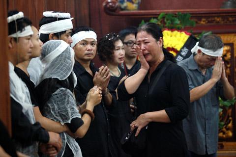 Đám tang đẫm lệ NS Hồng Sơn - 13