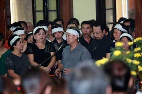 Đám tang đẫm lệ NS Hồng Sơn - 2
