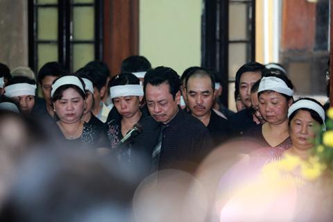 Đám tang đẫm lệ NS Hồng Sơn - 3