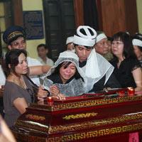 Đám tang đẫm lệ NS Hồng Sơn