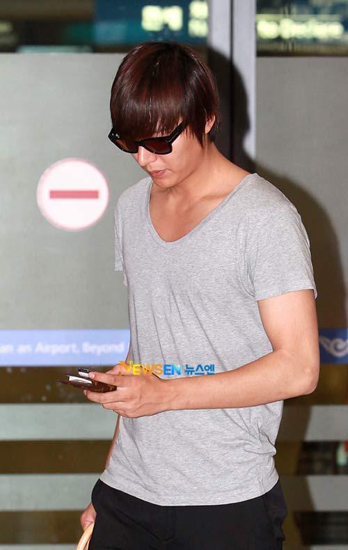 Lee Min Ho lại toả sáng tại sân bay - 2