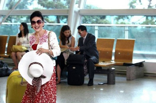 Lee Min Ho lại toả sáng tại sân bay - 10