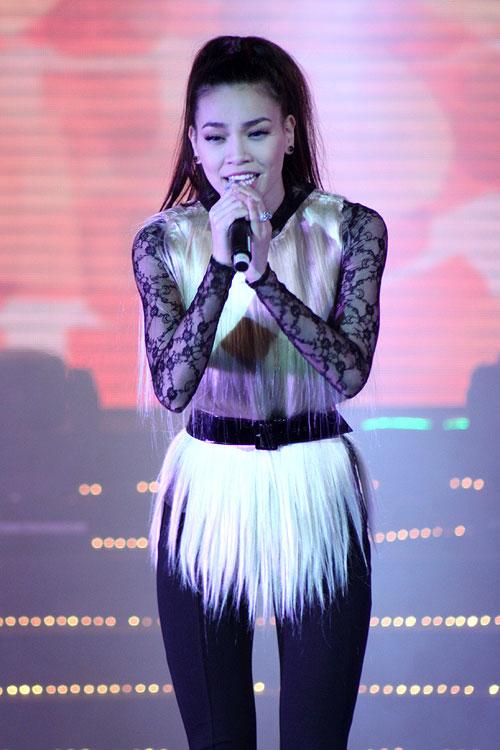 Sao Việt xấu đẹp cùng vải ren - 13