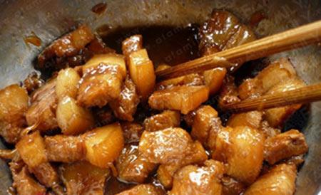 Đượm vị thịt kho nước cốt dừa - 8