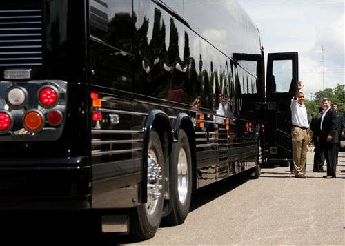 Chiếc xe buýt giá 1,1 triệu USD của Obama - 1