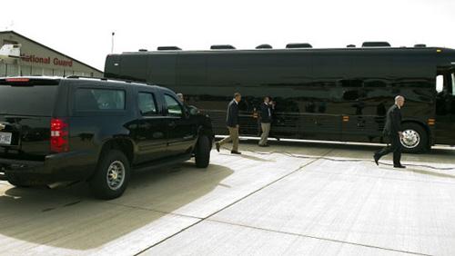 Chiếc xe buýt giá 1,1 triệu USD của Obama - 8