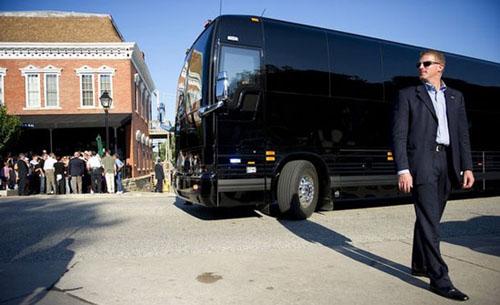 Chiếc xe buýt giá 1,1 triệu USD của Obama - 9