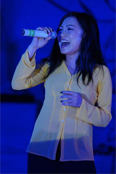 Chấm điểm sao Việt xấu đẹp với áo bà ba - 7