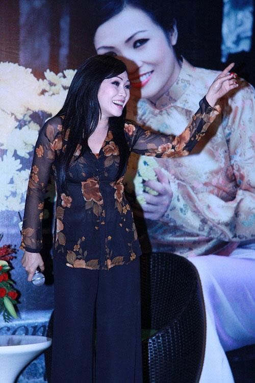 Chấm điểm sao Việt xấu đẹp với áo bà ba - 9
