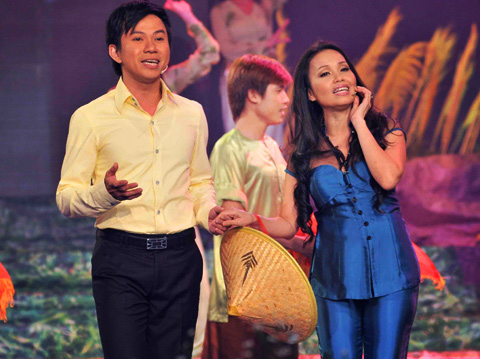 Chấm điểm sao Việt xấu đẹp với áo bà ba - 4
