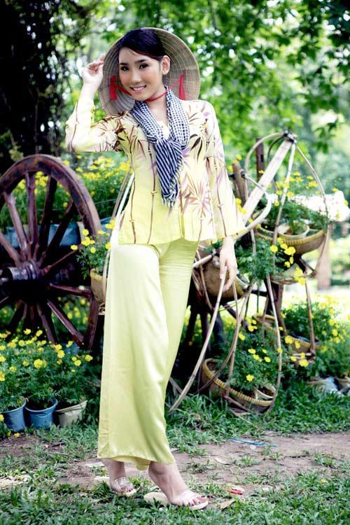 Chấm điểm sao Việt xấu đẹp với áo bà ba - 26