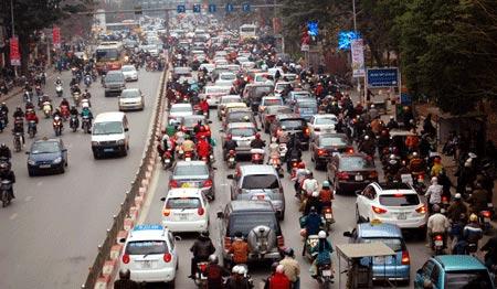 Đề xuất cấm xe máy trong giờ cao điểm - 2